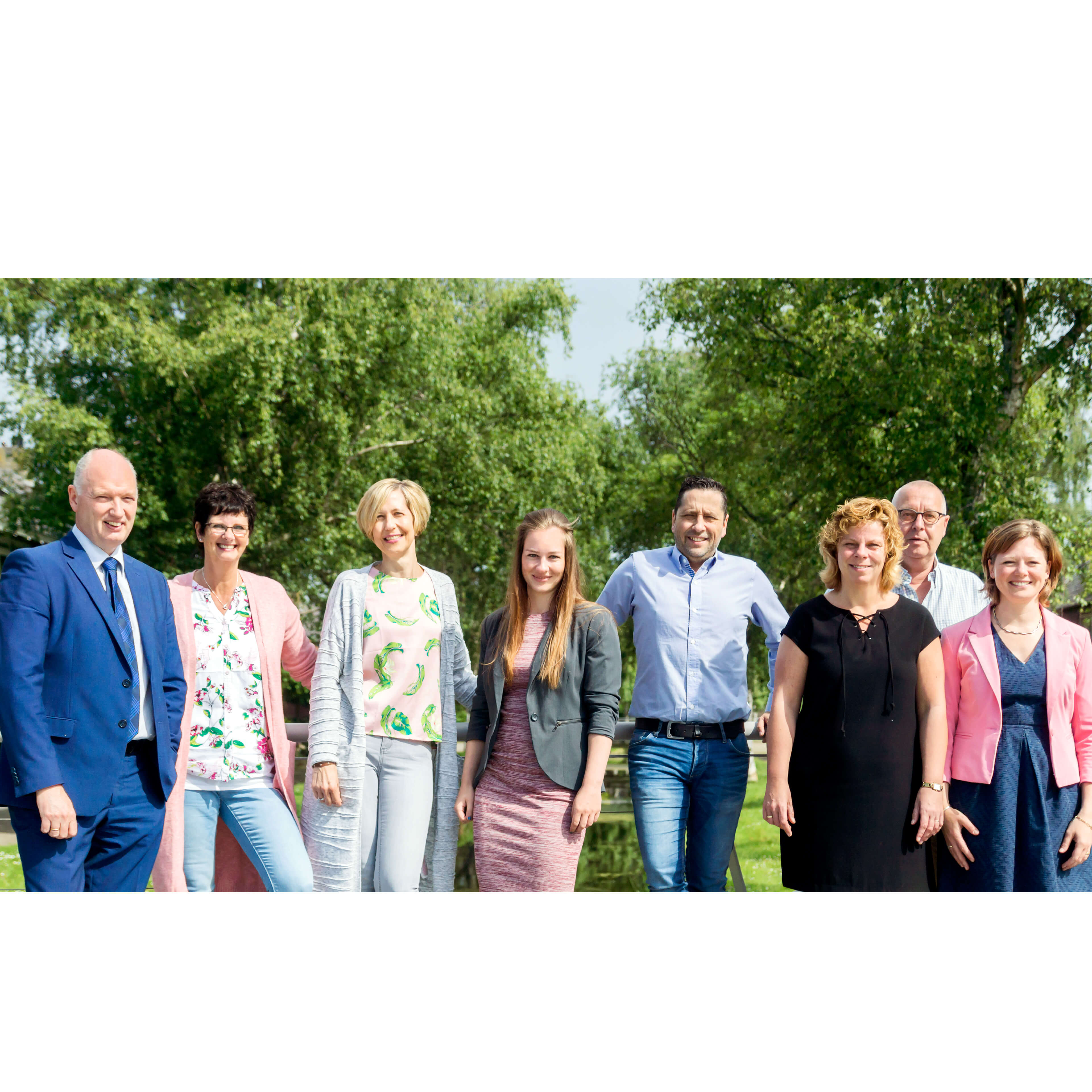 Foto van het team van notaris Van Stenis Maasland.