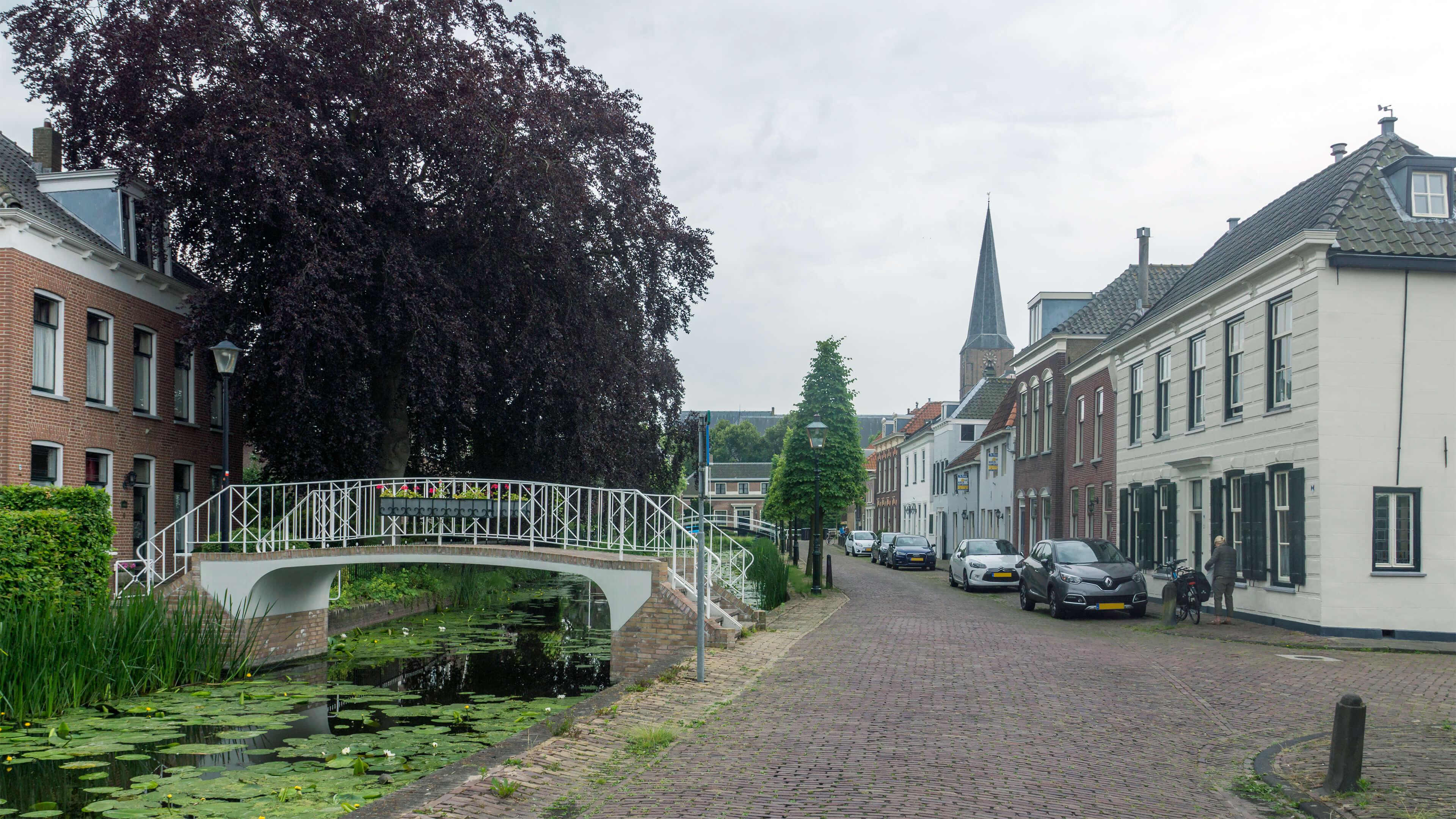 Foto van de 's-Herenstraat in Maasland. De foto hoort bij de pagina over ondernemingsrecht op de website van de notaris van Midden-Delfland.